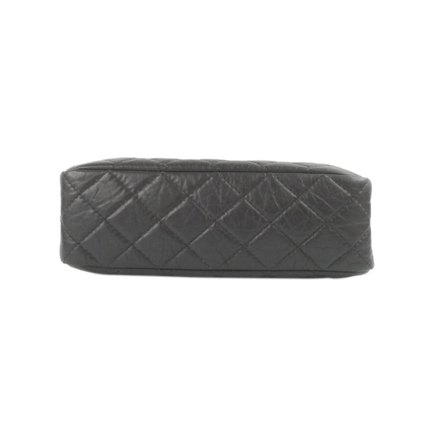 Chanel tote patent red