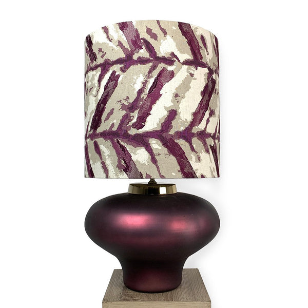 Rugari Enamel Sangria Finish Glass Table Lamp