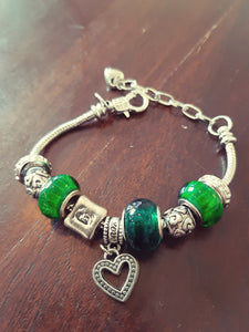Deep green color bracelet