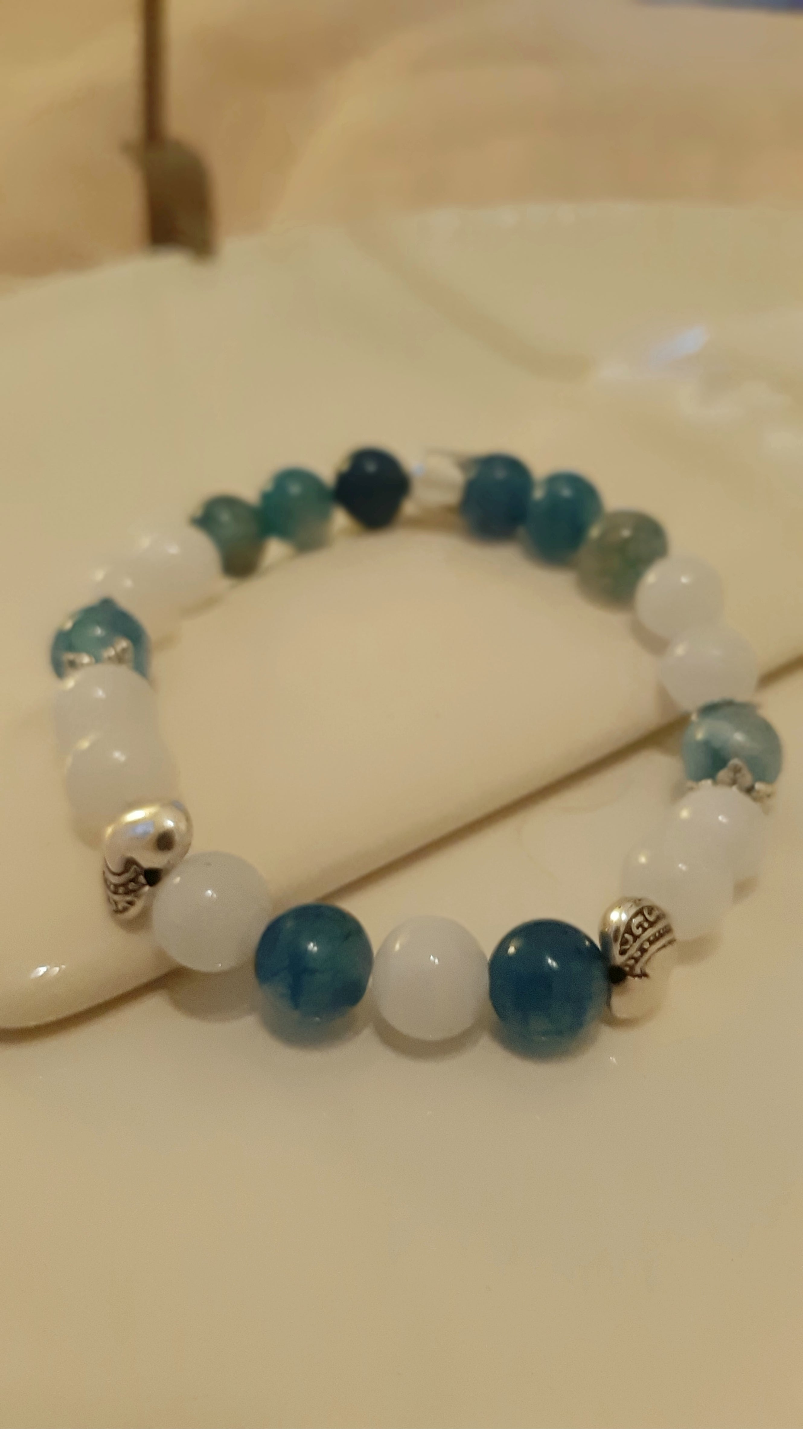 Agate blue ghost crackle bracelet