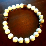 Snow white bracelet 8 mm beads