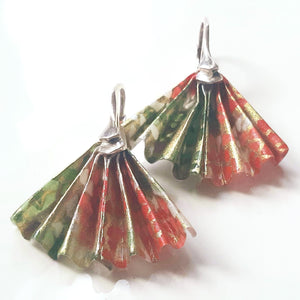 Romantic fan earrings