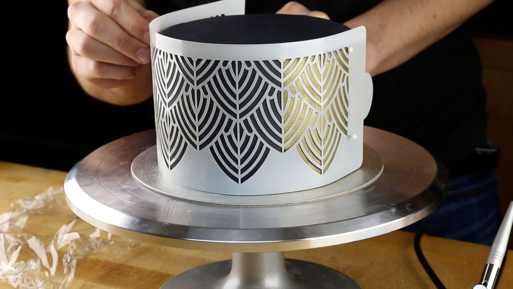 Wrap the stencil back around the cake