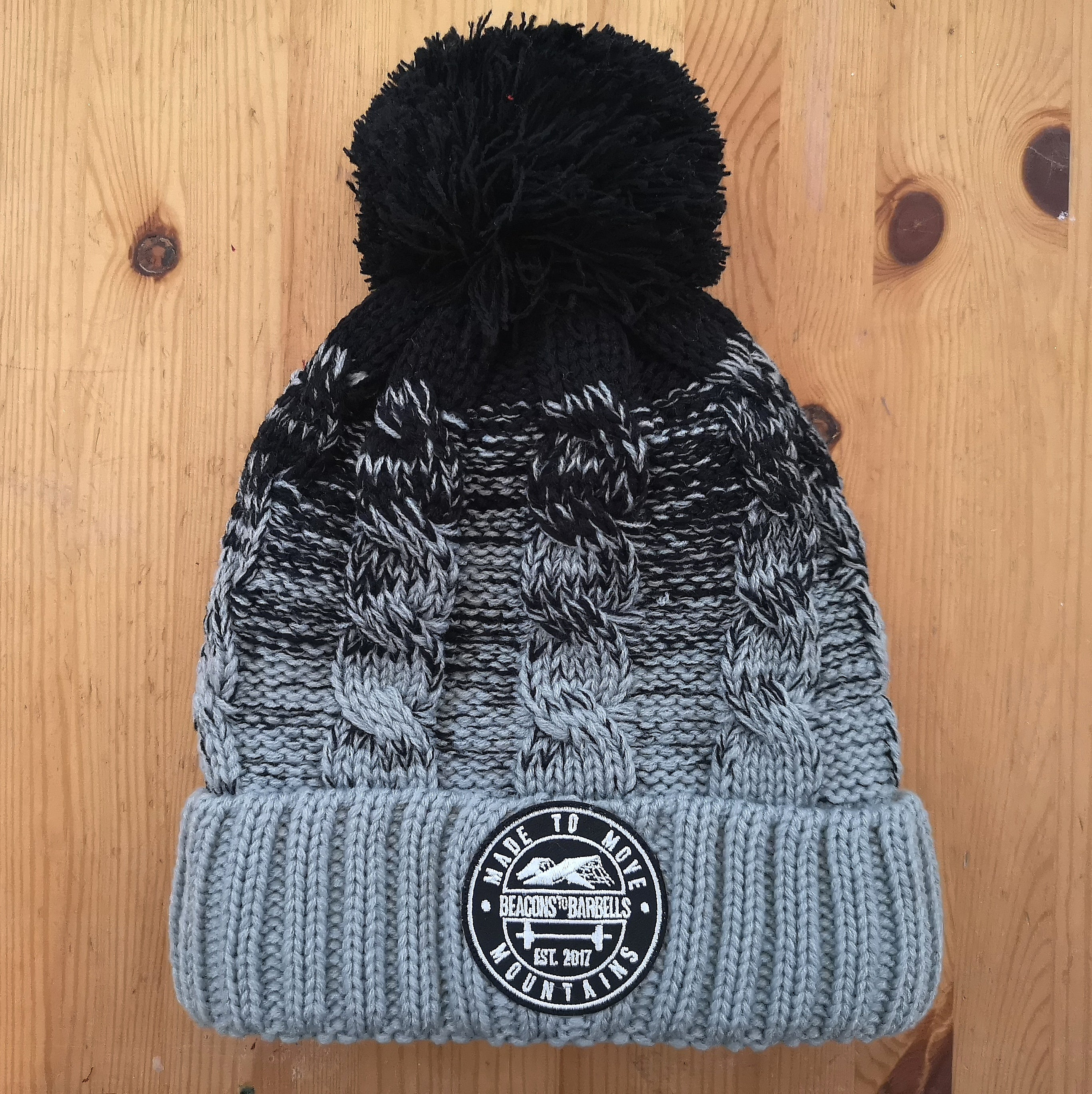 Ombré Black and Grey bobble hat
