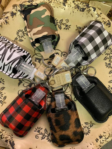 Sanitizer Keychain || White Plaid