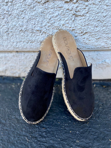 Taffy Slip On Shoes || Black