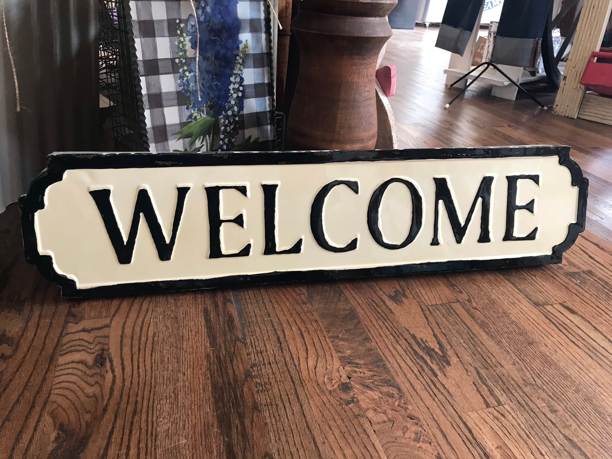 Metal Cream Welcome Sign
