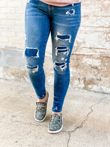 Jersey Patch || Judy Blue Mid Rise Patched Destroy Skinny Jean