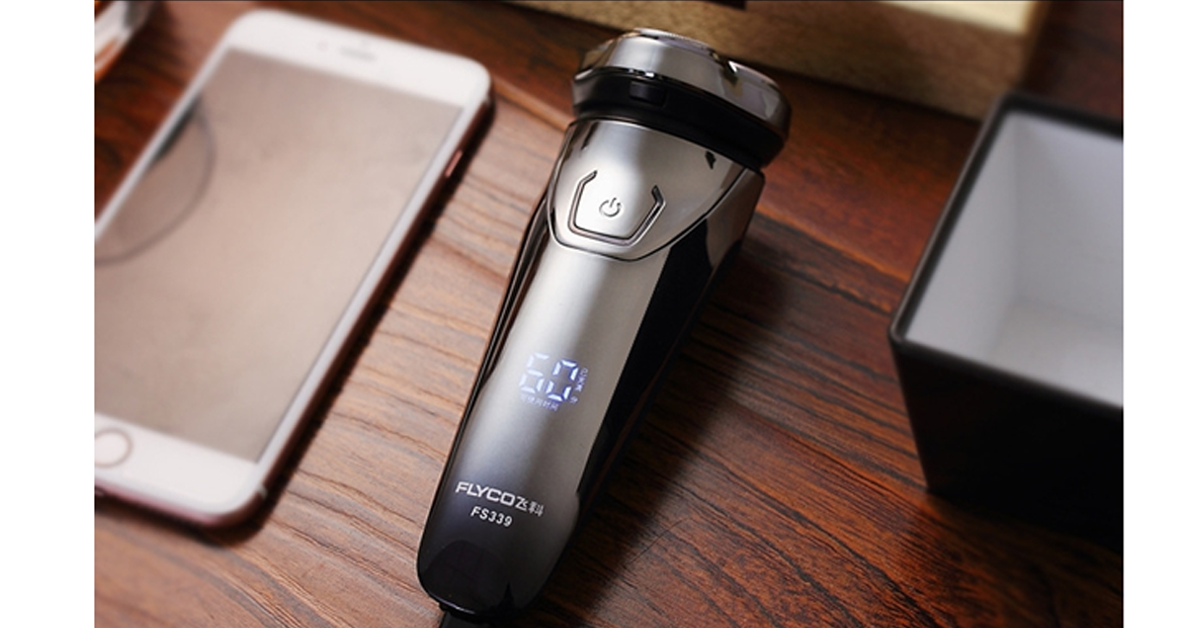 Smart Electric Shaver with 3D Floating Heads