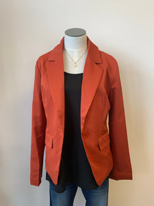Fully lined blazer with button