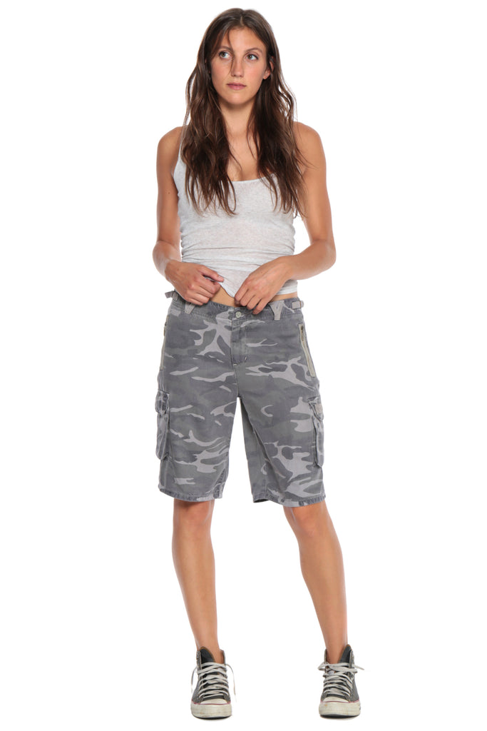 EASY FIT BERMUDA SHORT - GREY CAMO - Da-Nang