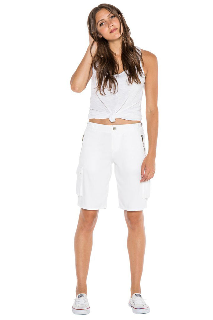 EASY FIT BERMUDA SHORT - WHITE - Da-Nang