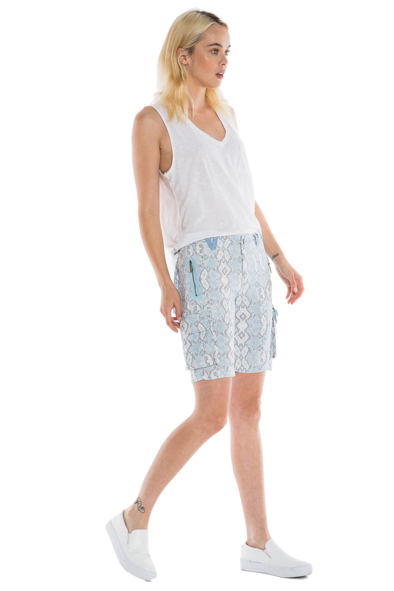 EASY FIT BERMUDA- BLUE SNAKE - Da-Nang