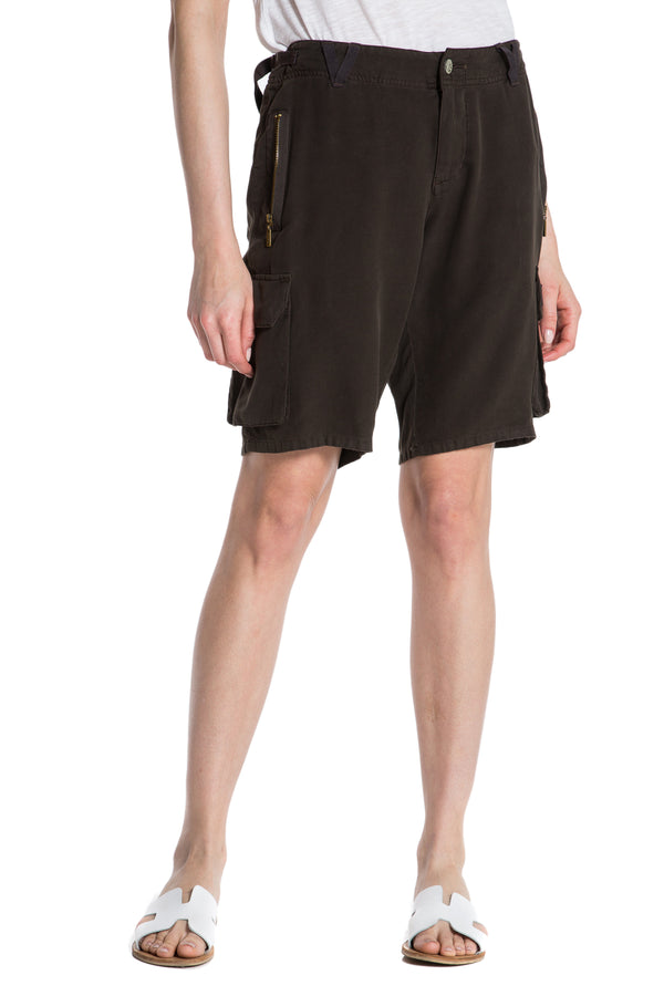 EASY FIT BERMUDA - BLACK OLIVE - Da-Nang