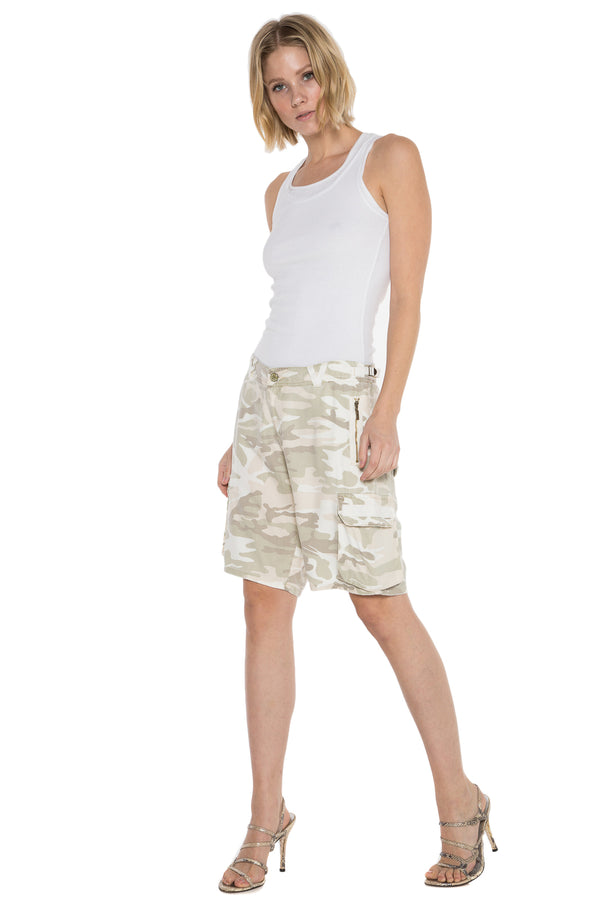 EASY FIT BERMUDA - CLOUD CAMO - Da-Nang