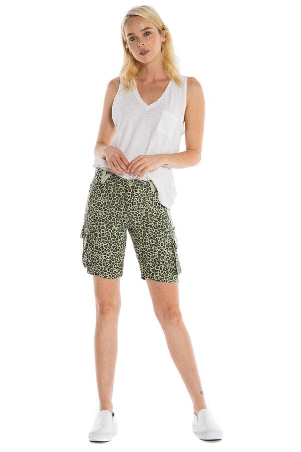 "SKG9304 THE EASTY FIT BERMUDA RISE 10"" - 11"" INSEAM OLIVE LEOPARD - Da-Nang"