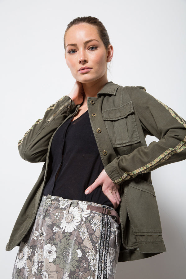 TAPERED MILITARY BLAZER - OLIVE