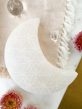"*NEW* 4.75"" Extra Large Crescent Moon Selenite Charger"