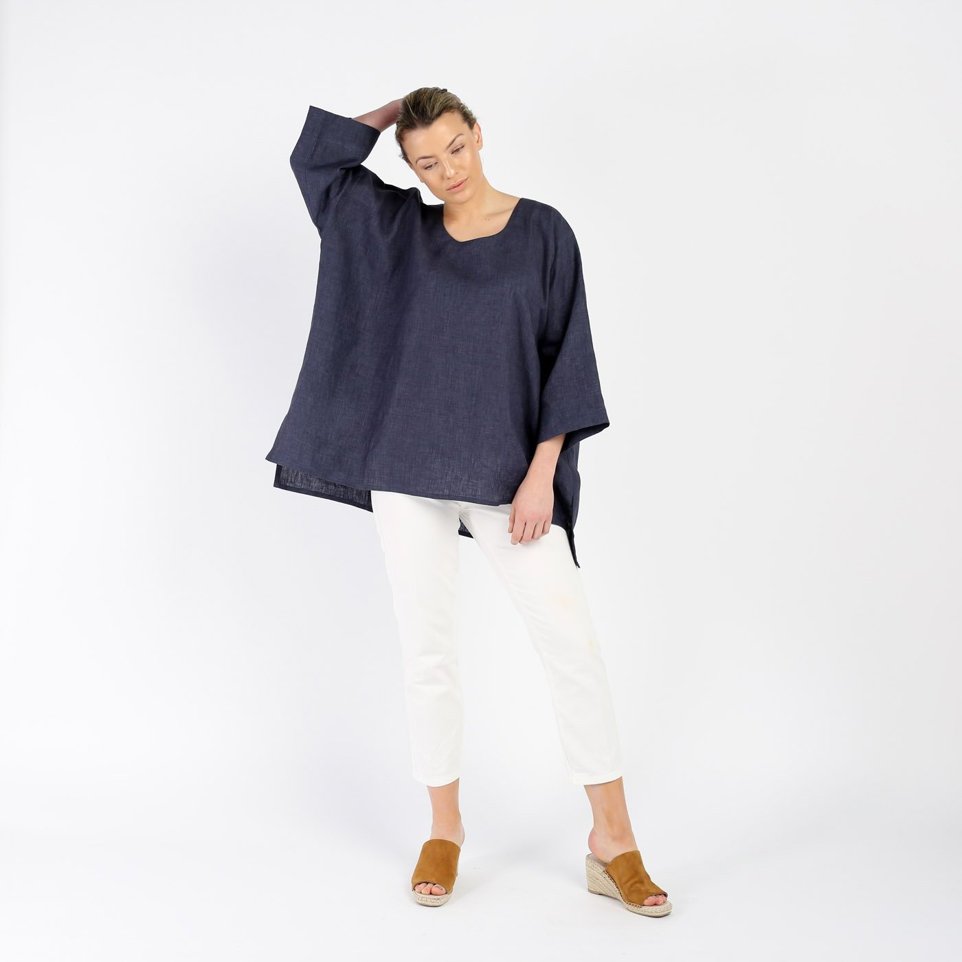 SOFT LINEN ROUND-NECK LONGER BACK TOP | DENIM BLUE