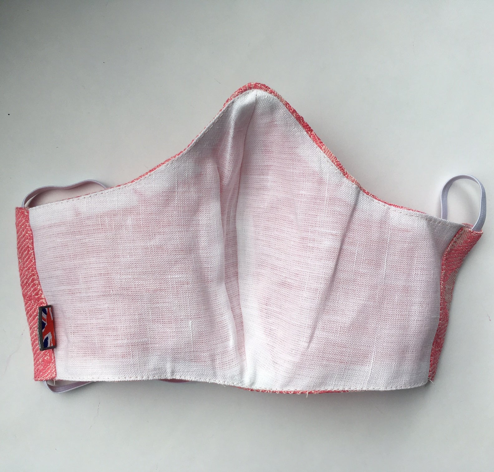 TEXTURED IRISH LINEN FASHION MASK -  PINK PATTERN