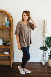 She + Sky Half Sleeve Thermal Knit Hi Low Top with Pockets Mocha