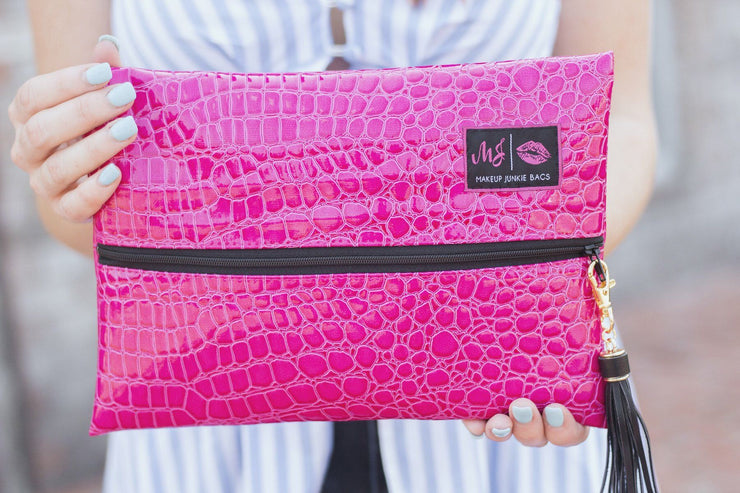 Makeup Junkie Meredith Sleek Gator Textured Zipper Makeup Bag Pink