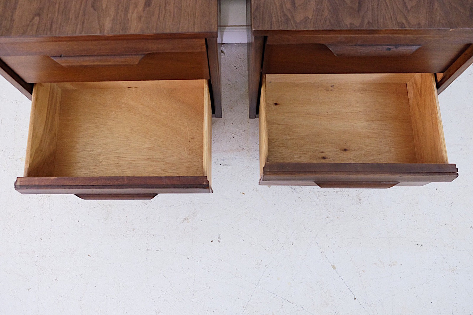Basset Mid Century Modern Set of Nighstands New Walnut Veneer Tops Tapered Legs