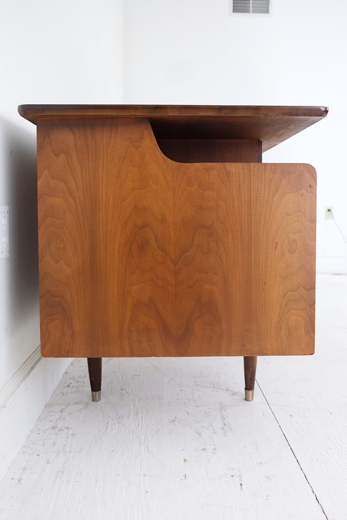 Mainline By Hooker Mid Century Modern Desk Four Drawers