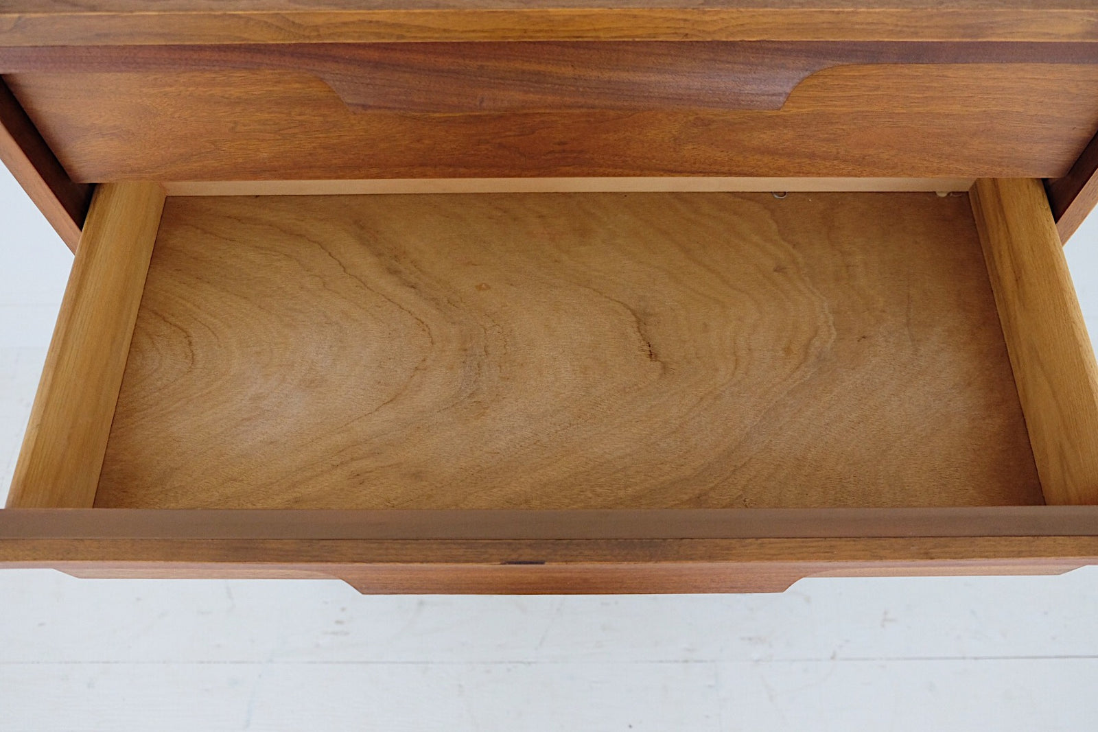 Johnson Carper Danish Modern Mid Century Tall Dresser Five Drawers Bentwood Carved Handles