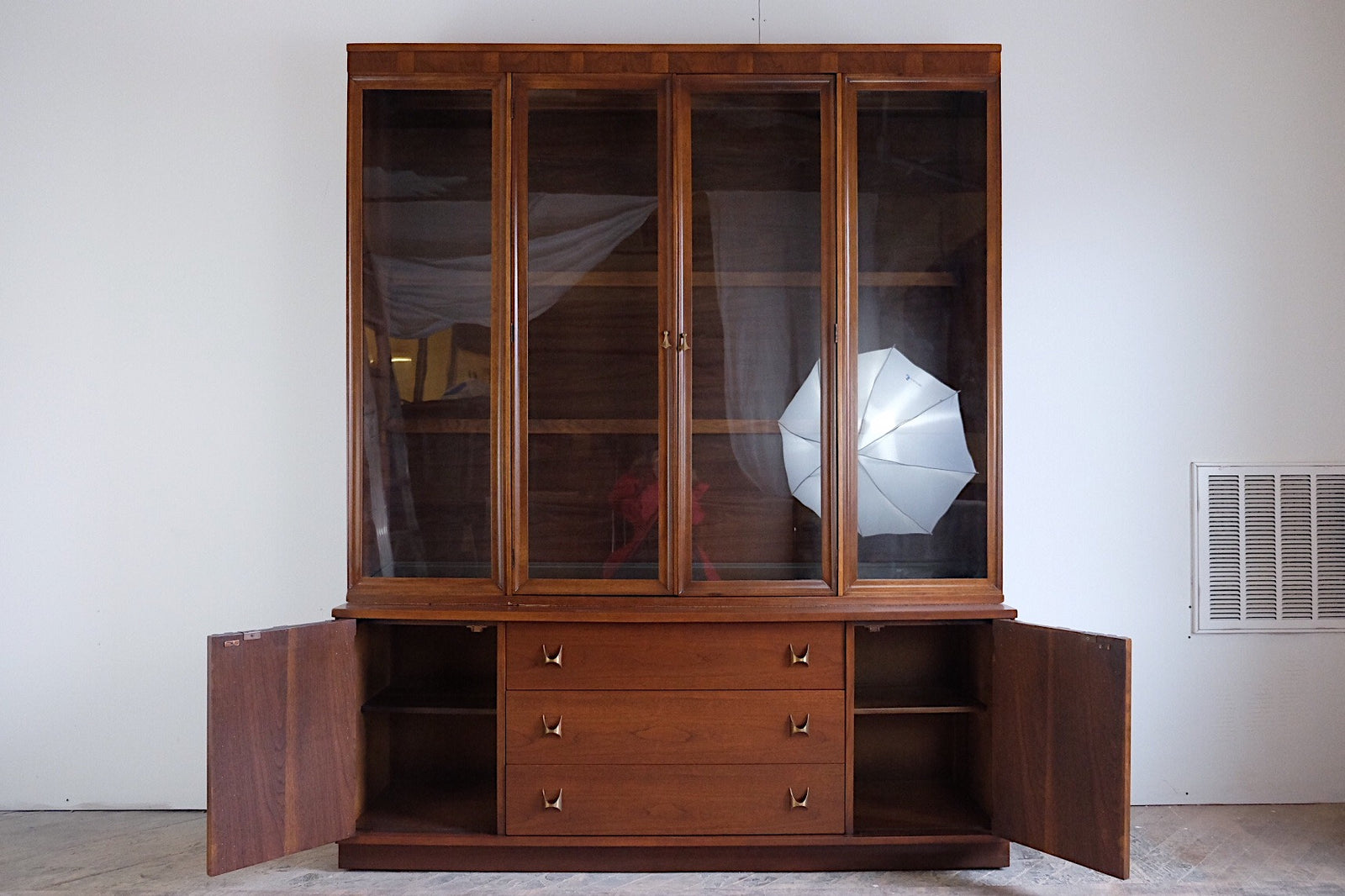Broyhill Brasilia China Display Cabinet with Lighting Brass Geometric Pulls Three Drawers Display Cabinet Comes Off