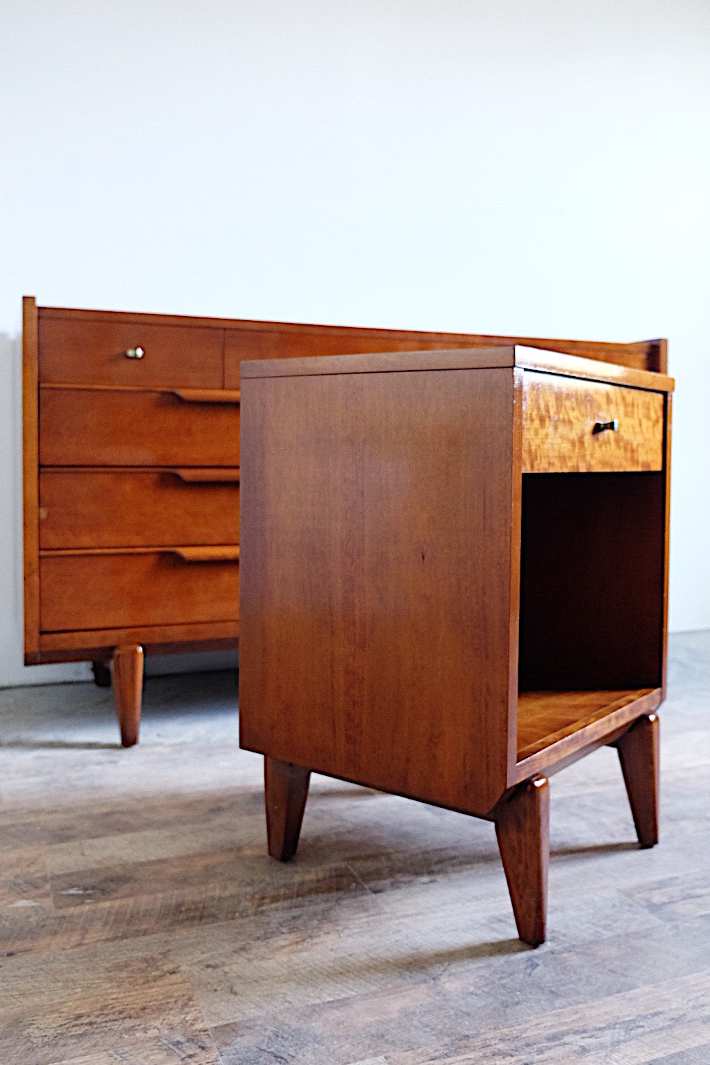 Century Furniture Nine Drawer Dresser and Nightstand Articulated Legs Style of Renzo Rutili Pinched Brass Pulls