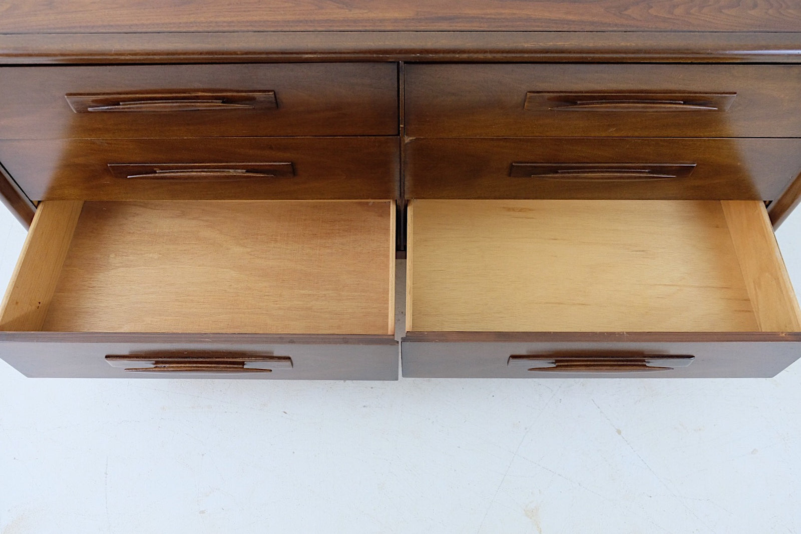 Pointy Tapered Sculptural Wooden Handles Carved Double Low Dresser Mid Century Modern Six Drawers