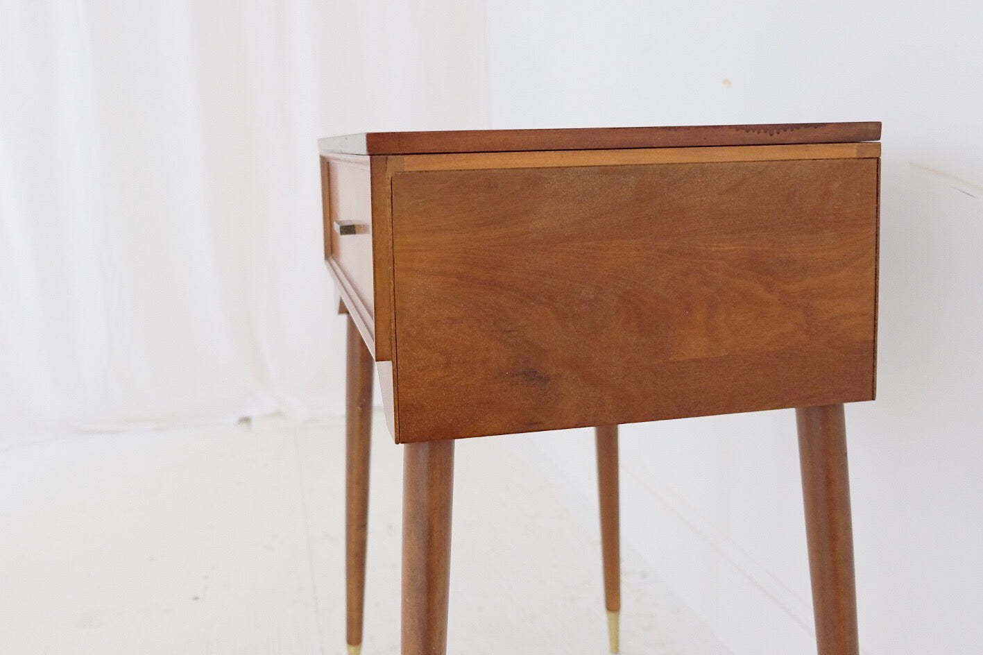 Mid Century Modern Table Desk Vanity Sewing Table With Leaf Singer Sewing Machine