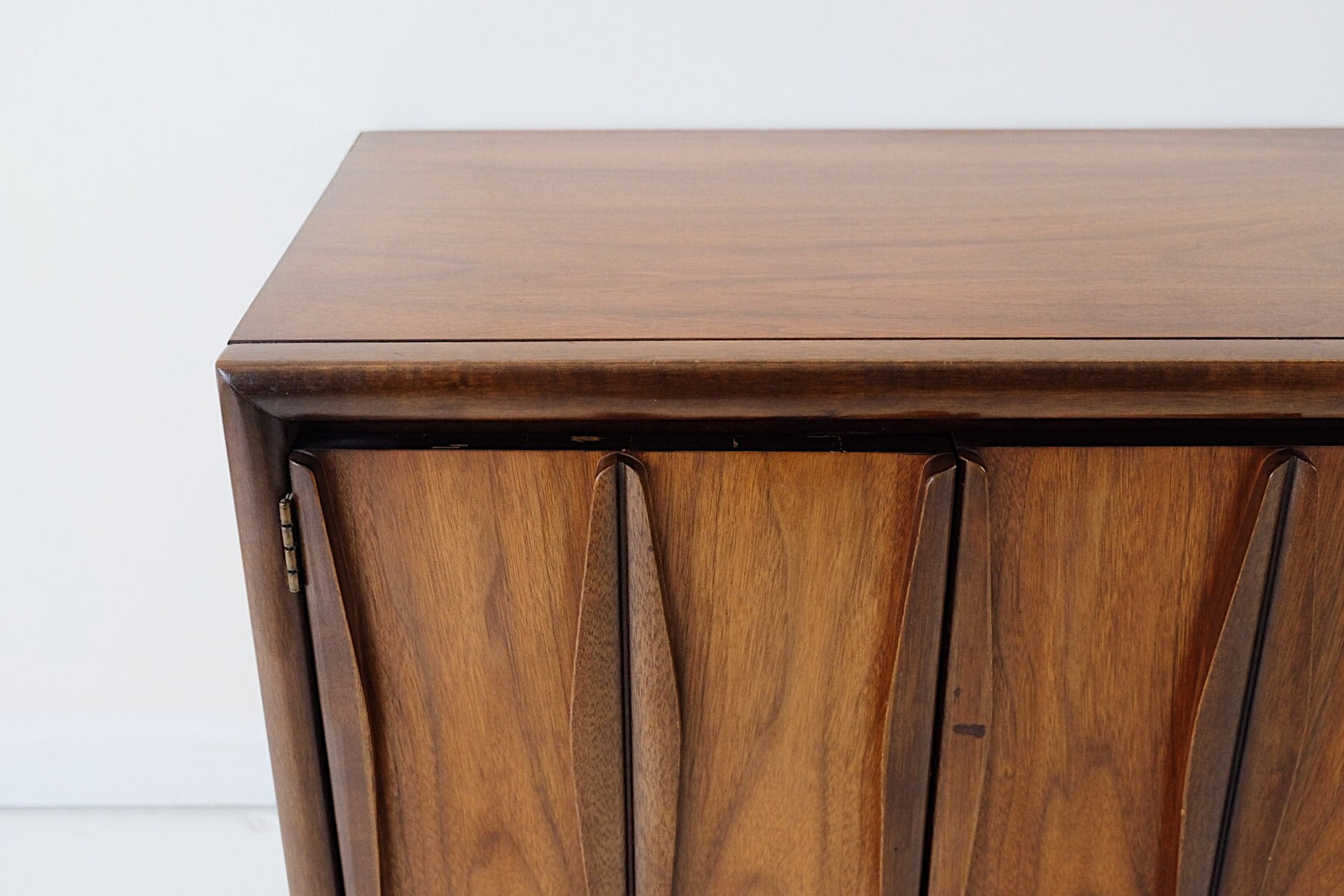 Columbia & Myers Mid Century Modern End Table Nightstand Short Cabinet Carved Front