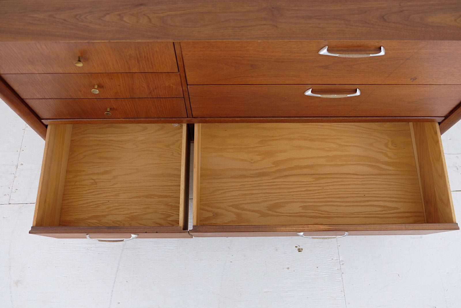 Drexel Mid Century Modern Low Dresser Sideboard Great Handles and Brass Pulls Six Drawers