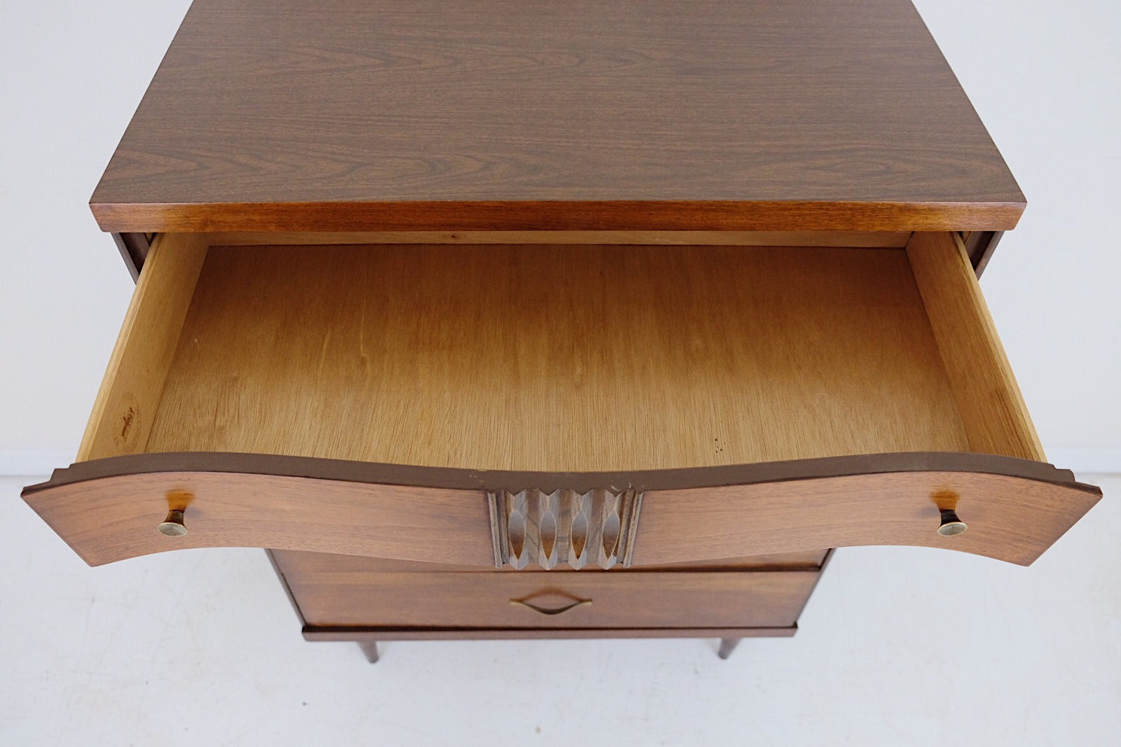 Bassett Tall Mid Century Modern Dresser 4 Drawers Carved Detail Brass Handles