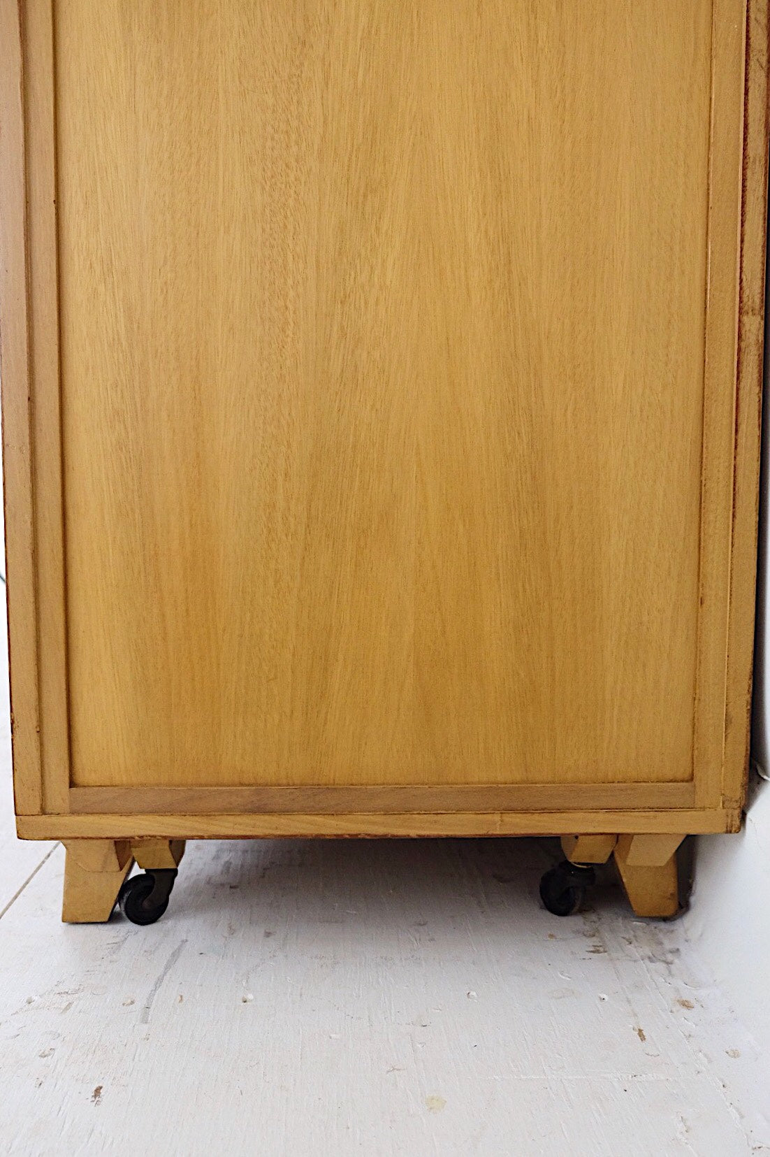 RWAY Mid Century Modern Two-Toned Low Dresser Ten Drawers Super Storage Brass & Carved Handles
