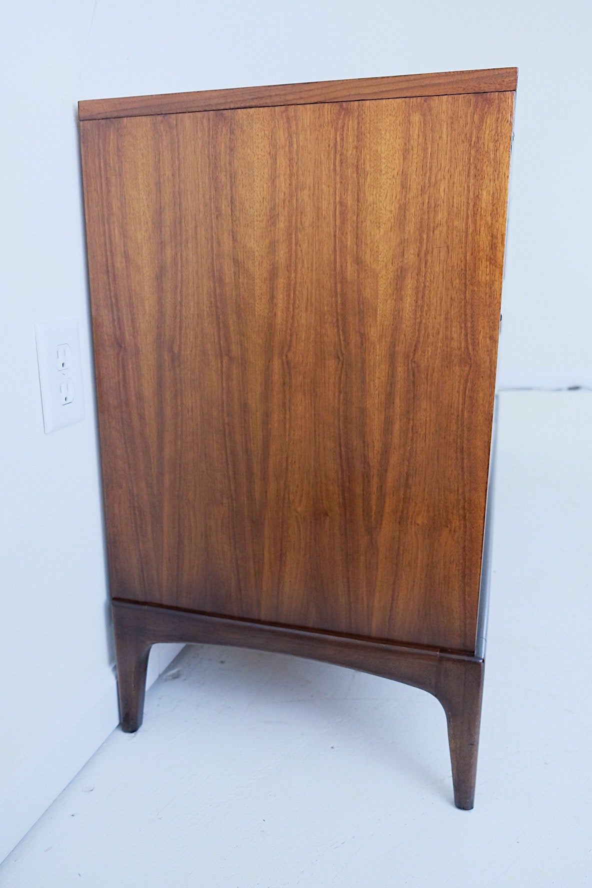 Lane Rhythm Low Nine Drawers Mid Century ModernLane Rhythm Low Nine Drawers Mid Century Modern