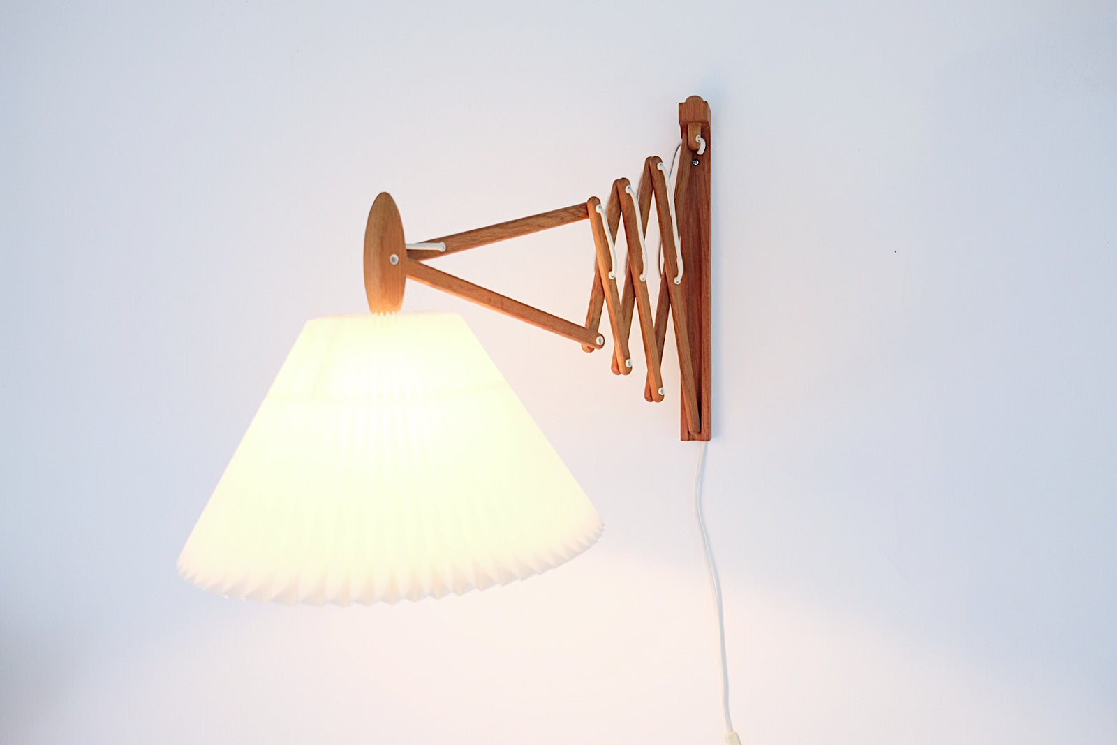 Vintage LE KLINT Sax Lamp by Erik Hansen Larger Teak Model