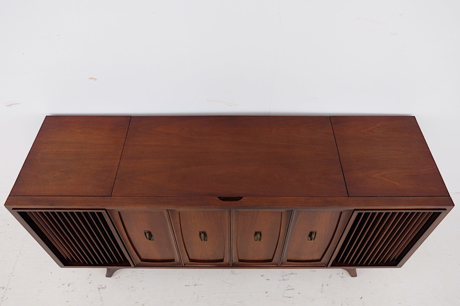 Zenith Mid Century Modern Stereo Radio Record Player Speakers Gorgeous Wood Grain TV Stand Media Center