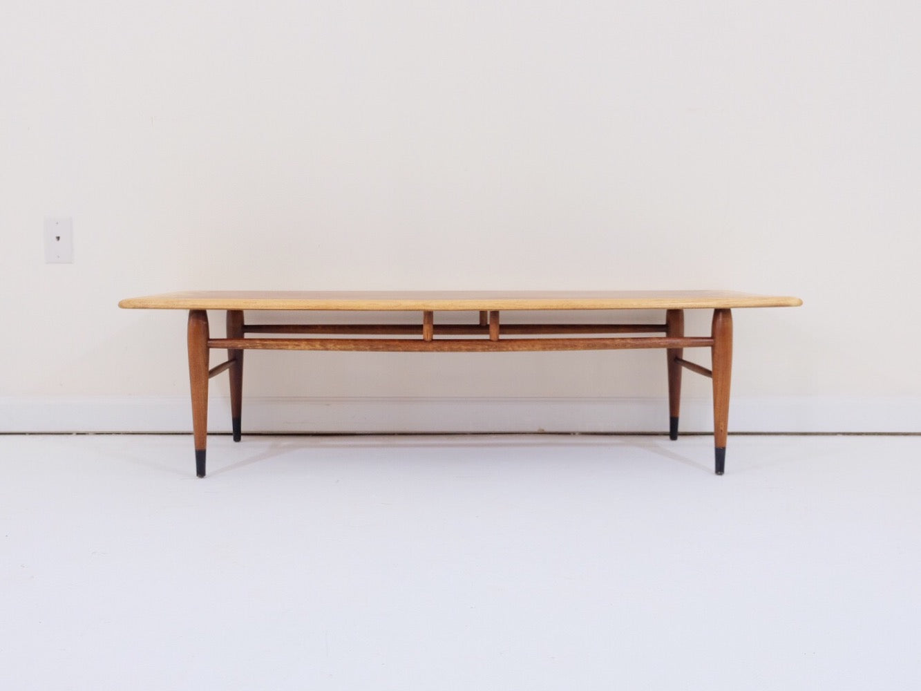 Lane Acclaim Series Mid Century Modern Dovetail Coffee Table
