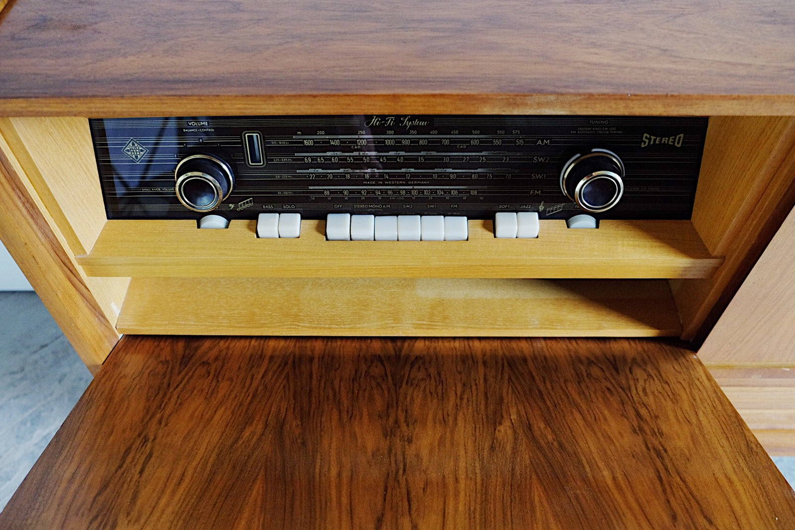 Gorgeous Mid Century Modern Telefunken Concerto 5306 MX Stereo Console