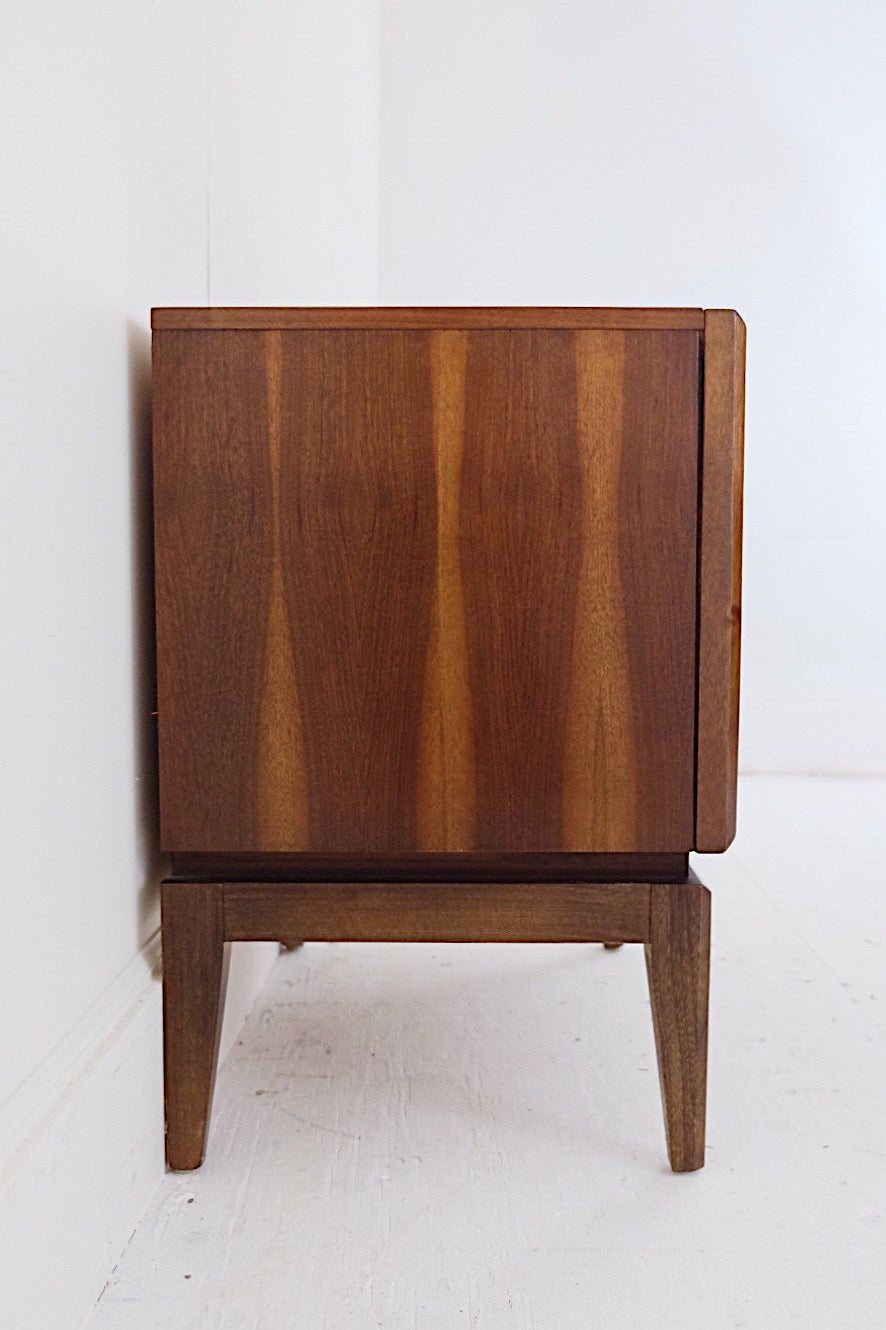 Iconic United Furniture Side Table Two Drawers Carved Relief Handles Gorgeous Legs