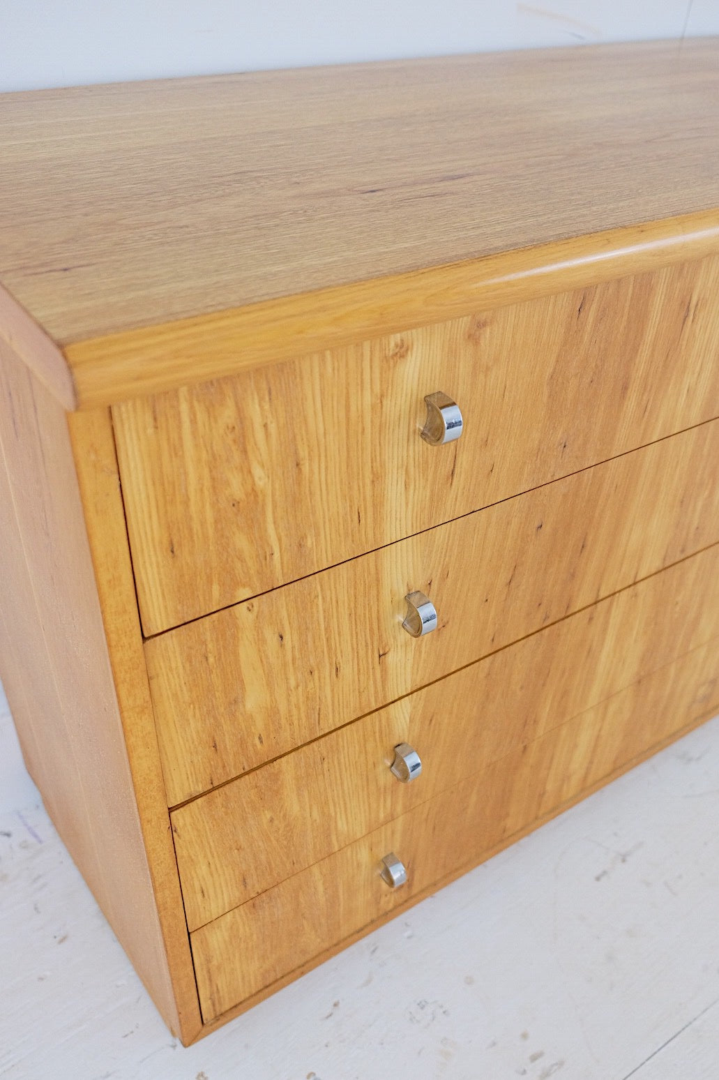 Founders Shallow Short Chest of Drawers Four Drawers Silver D Shaped Handles Solid Wood