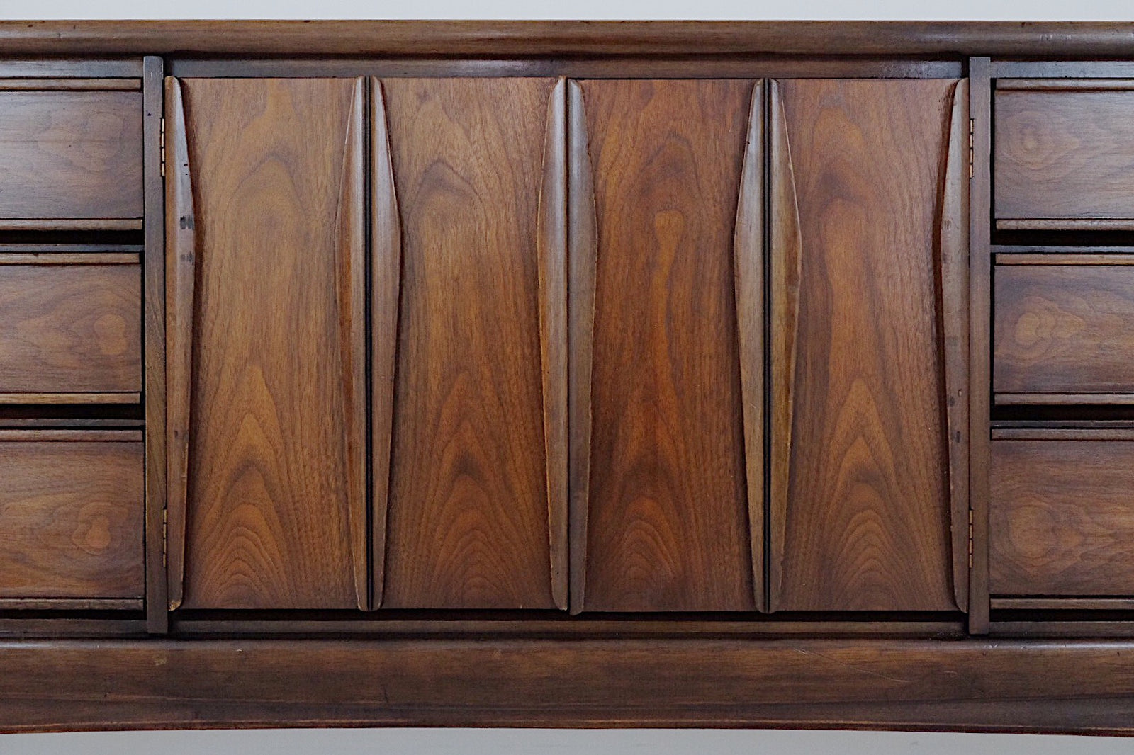 United Furniture Sculpted Carved Mid Century Low Dresser Nine Drawers