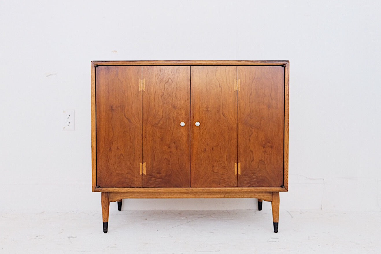 Lane Acclaim Side Server Cabinet  Andre Bus