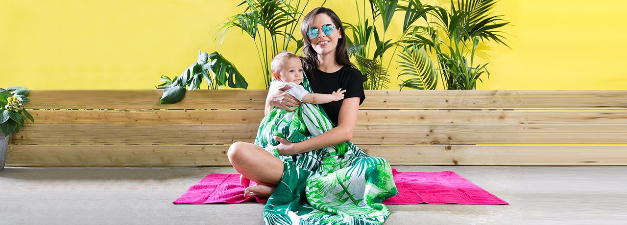 mama rules tropical print muslin blanket campaign shot