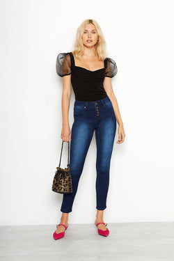 High Riѕе Butter Exposed Button Ankle Skinny Jеаnѕ In Wynter Alicia