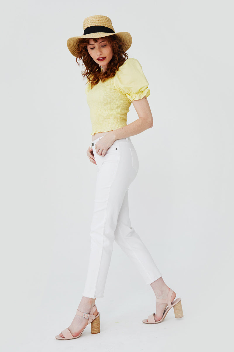 Tapered Mom Jean in White