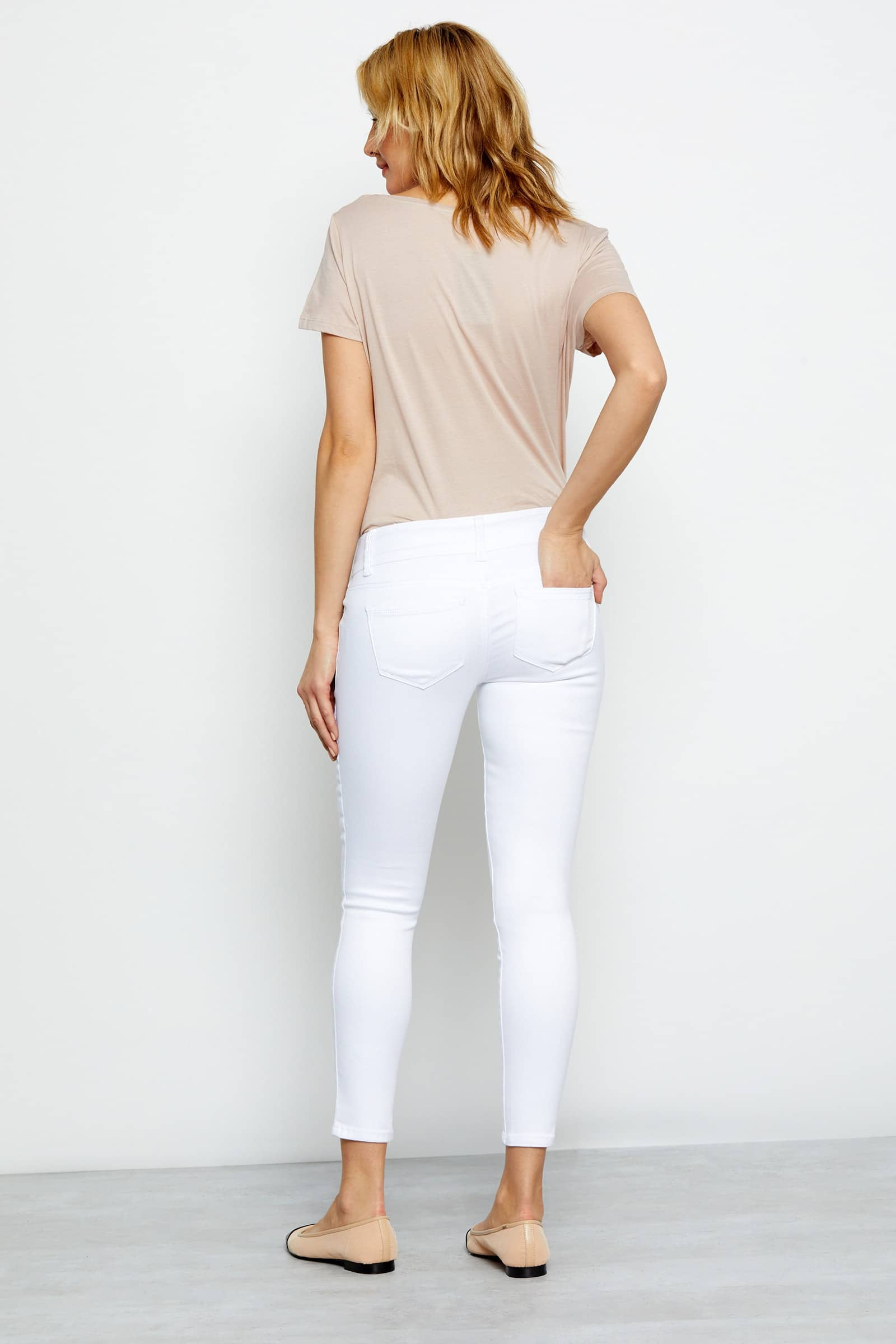 "Butter 28"" Double Button Ankle Skinny Jean in Wynter White"